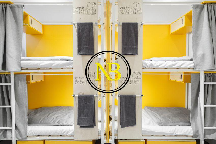طراحی هاستل با رنگ زرد سال ۲۰۲۰