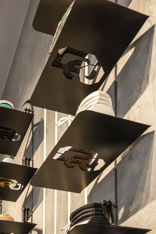 دکوراسیون فروشگاه کفش | خبر معماری | طراحی فروشگاه کیف و کفش | دکوراسیون داخلی | اخبار معماری ایران و جهان | معماری در مشهد | سایت معماری پروسه